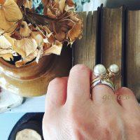 シルバー925バージョンが登場です!:ドイツ製スフレガラスパールの女性っぽく色気あるフォルムのリング!