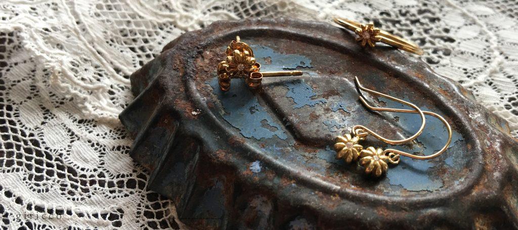 小花シリーズにはリングやポストタイプのピアスもございます!